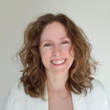Jennifer Berg American Author
